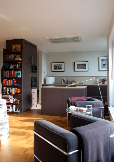 Küche mit offenem Wohnraum