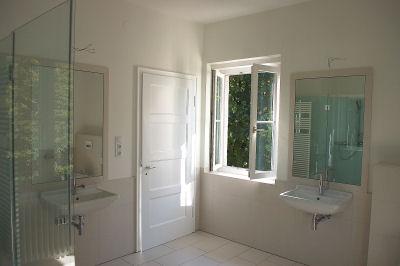 Neues großes Bad  in einer typisch  alten Starnberger Villa aus den 30er Jahren